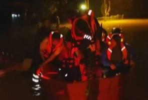 33 murid terperangkap banjir di asrama sekolah berjaya diselamatkan