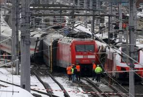 Seorang maut, 22 cedera dalam kemalangan keretapi di Austria