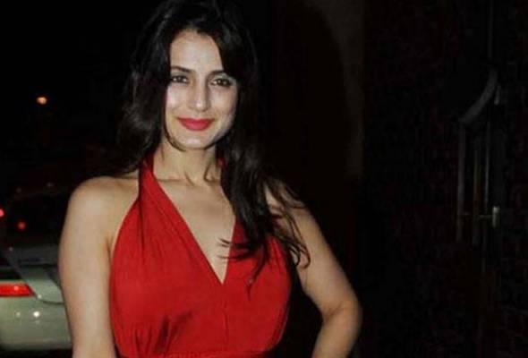 Cantik, 'bergetah' dan simbol seks, tetapi 10 Diva Bollywood ini tidak pernah berkahwin