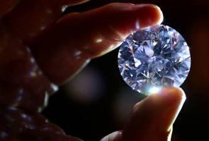 Berlian putih paling jarang ditemui bakal dijual di London