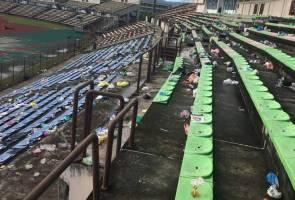 Insiden selipar terbang, sembunyi di bangku simpanan cemari Stadium Likas