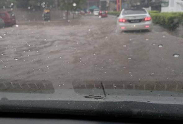 Hujan lebat di beberapa kawasan, pemandu diingatkan berhati-hati