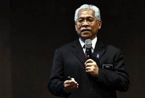 Kementerian sedia lupus kursus tidak relevan di IPT - Idris Jusoh