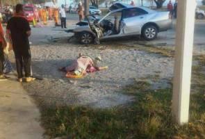 Tiga maut, seorang parah kereta terbabas
