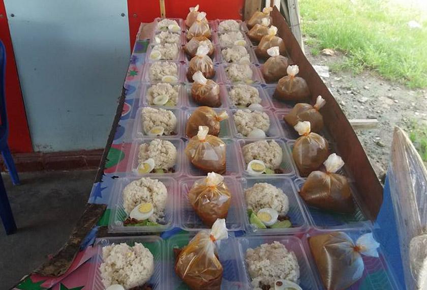 Sama ada makan di warung mahupun dipesan untuk dibawa pulang, D'Muhibbah Nasi Lemak sedia melayan selera anda. - Facebook DMuhibbah Nasi Lemak