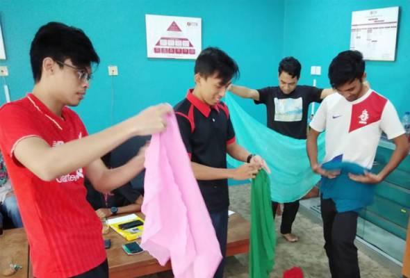 Program di Kampung Chhnang, Phnom Penh itu bakal diisikan dengan pelbagai aktiviti kemasyarakatan termasuklah aktiviti pendidikan.
