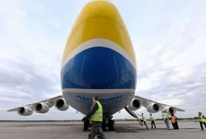 Ini rupanya pesawat terbesar dunia yang mendarat di Malaysia