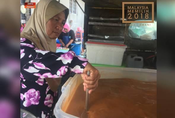 Bantuan pinjaman menerusi Amanah Ikhtiar Malaysia telah banyak membantu dalam mengembangkan perniagaan yang dimulakan sejak 18 tahun lalu.