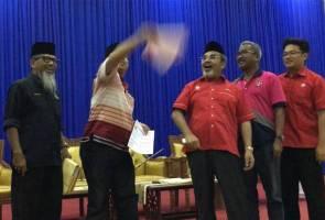 Borang PPBM dilempar, Tajuddin sambut 281 ahli sertai UMNO Pasir Salak
