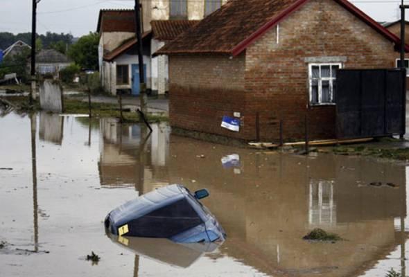 Banjir besar landa Rusia, angka penduduk terjejas dikhuatiri terus meningkat