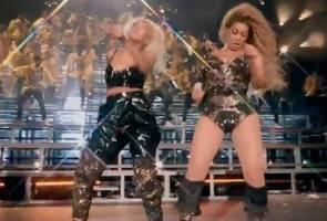 Masalah kostum, payudara Beyonce hampir terdedah
