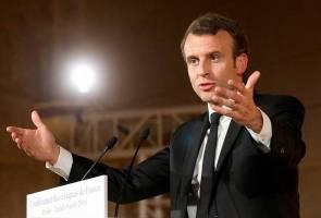 Enam ditahan plot serang Emmanuel Macron