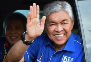 UMNO 2018: 'Undurlah Zahid, beri laluan kepada Ku Li untuk jadi Presiden'