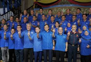 Keluar BN, tubuh perikatan baharu, jalan terbaik BN Sarawak - Penganalisis