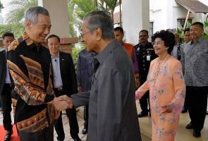 PM Singapura Hsien Loong kunjungi Dr Mahathir di Putrajaya