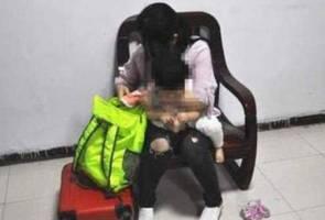 Keji! Ibu gamak jual anak untuk beli alat solek