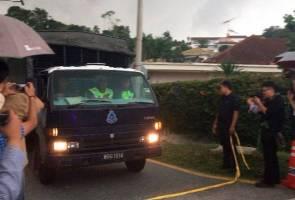 Puluhan kotak dibawa keluar dari rumah Najib Razak