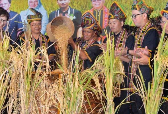 Pesta Kaamatan tarikan pelancongan Sabah - Mohd Shafie