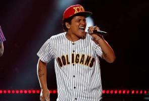 Rehat sebentar dari politik Malaysia, hiburkan diri dengan Bruno Mars