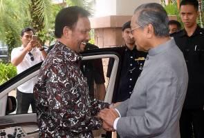 Tun Mahathir ke Brunei, lawatan balas kunjungan Sultan Hassanal Bolkiah