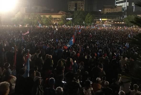 Anwar 'ubati' kerinduan penyokong dan rakyat