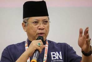 Ahli UMNO jangan gusar isu pembekuan akaun parti - Annuar Musa