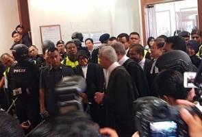 Kes Najib Razak: Sidang media Peguam Negara tergendala, bertukar kecoh