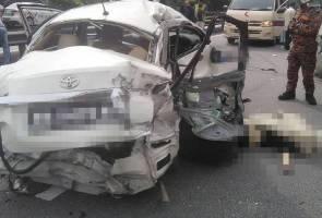 Tiga maut tercampak keluar dari kereta