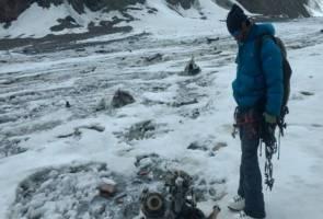 Misteri tangan terjuntai keluar dari ais terbongkar ... 50 tahun kemudian