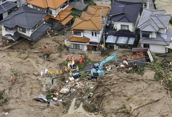 Hujan lebat, tanah runtuh di Jepun, 11 maut, 45 masih hilang