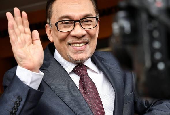 Tun Mahathir jaga negara, Anwar jaga Parlimen
