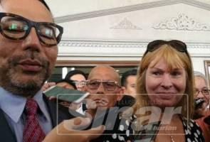 Kenapa Editor Sarawak Report Clare Rewcastle Brown muncul di mahkamah?