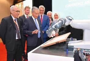 Siapa YuMi di hati Tun Mahathir?