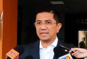 Pemimpin UMNO diumpan untuk keluar parti? Ini reaksi Azmin