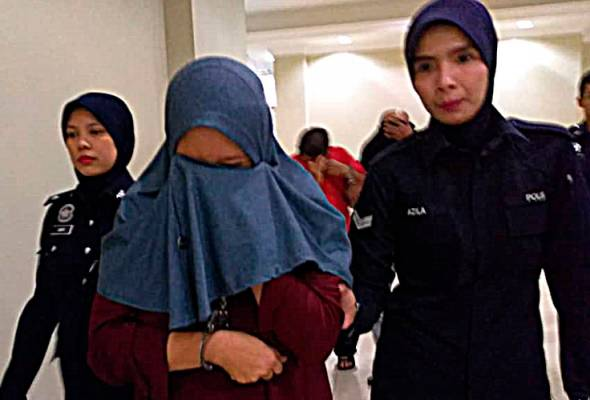 Kedua-dua tertuduh didakwa melakukan kesalahan tersebut sejak Januari 2017 hingga Ogos lalu di Ribath Tahfiz Asyirazi di Tok Sira, Jalan Tengku Muhammad, Kuantan. - Foto Noraniza Kamsani   Astro Awani