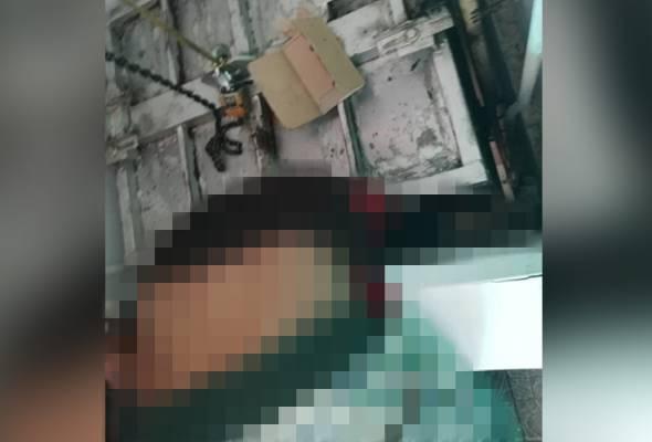 Penghantar ayam, Shahrukh Khan maut tersepit lif