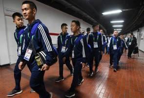 12 pemain bola sepak remaja Thailand jadi tumpuan media lagi