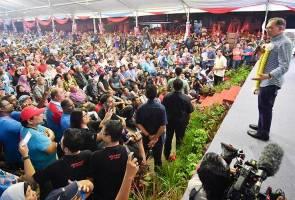 Anwar lakar kemenangan besar, jangkaan majoriti rendah meleset