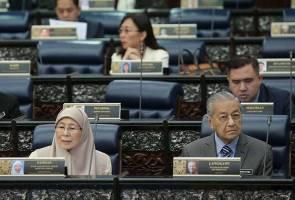 Anwar kembali 'beraksi': Mahathir, Wan Azizah gembira
