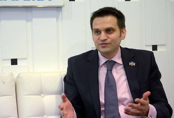 Olexander Nechytaylo berkata, Ukraine memiliki kepakaran dan kejuruteraan aeroangkasa dan kami boleh membantu Malaysia membangunkan industri udaranya. - Bernama | Astro Awani