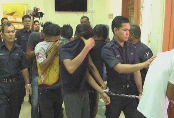 10 remaja didakwa rogol pelajar tingkatan 1 di rumah kosong astro