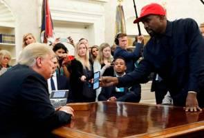 Kanye West mencelah ucapan, terus 'kipas' Donald Trump