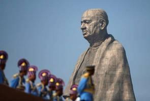 India rasmikan tugu patung paling tinggi di dunia