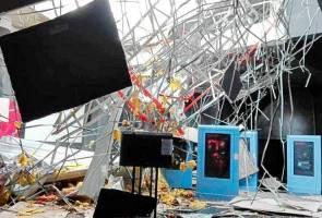 Siling kapur ruang pameran Planetarium Melaka runtuh