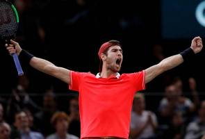 Tenis ATP Paris Masters: Pemain Rusia kalahkan Djokovic di final