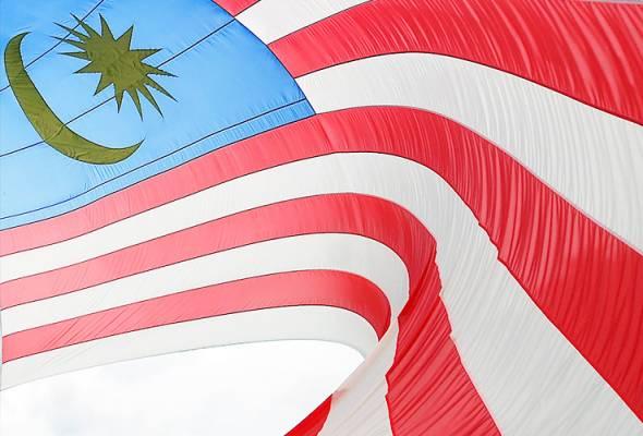 Apa pun warna, rasa dan matlamat kita, bendera ini harus tetap dijunjung. - Gambar hiasan | Astro Awani