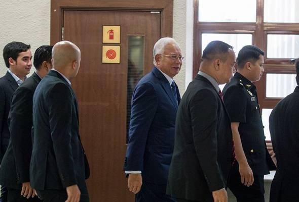 Najib didakwa mengikut Seksyen 23(1) Akta SPRM 2009 (Akta 694) yang boleh dihukum di bawah Seksyen 24(1) akta yang sama.