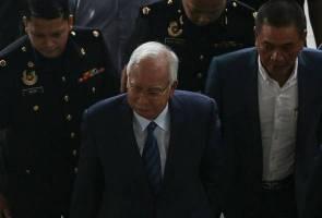 Pindaan laporan audit 1MDB: Najib tiba di mahkamah