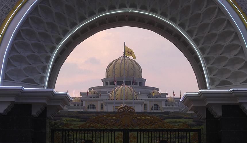 LAPOR LANGSUNG: Mampukah Ahli Parlimen patuh titah Agong agar henti politiking?