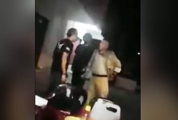 Siasatan kes polis tumbuk peniaga burger lengkap